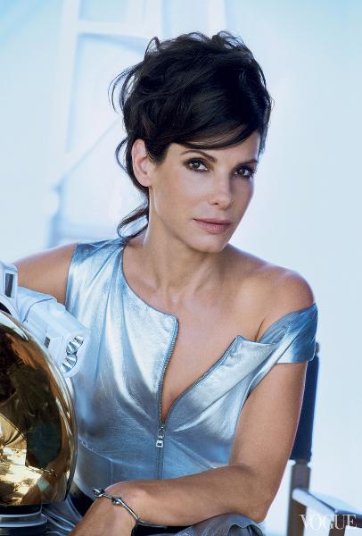 Sandra Bullock-Vogue-Gravity2
