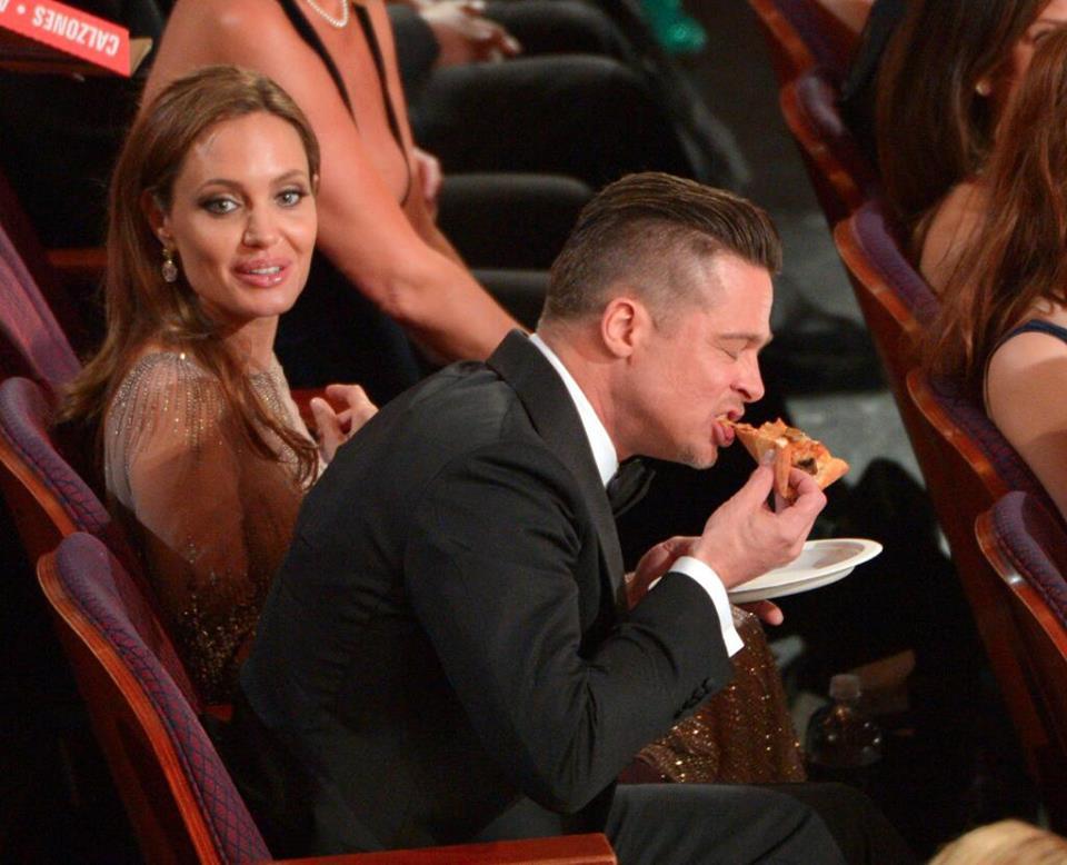 Oscars-Brad Pitt-Pizza