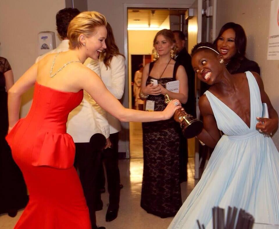 Oscars-Jennifer Lawrence-Lupita Nyong'o