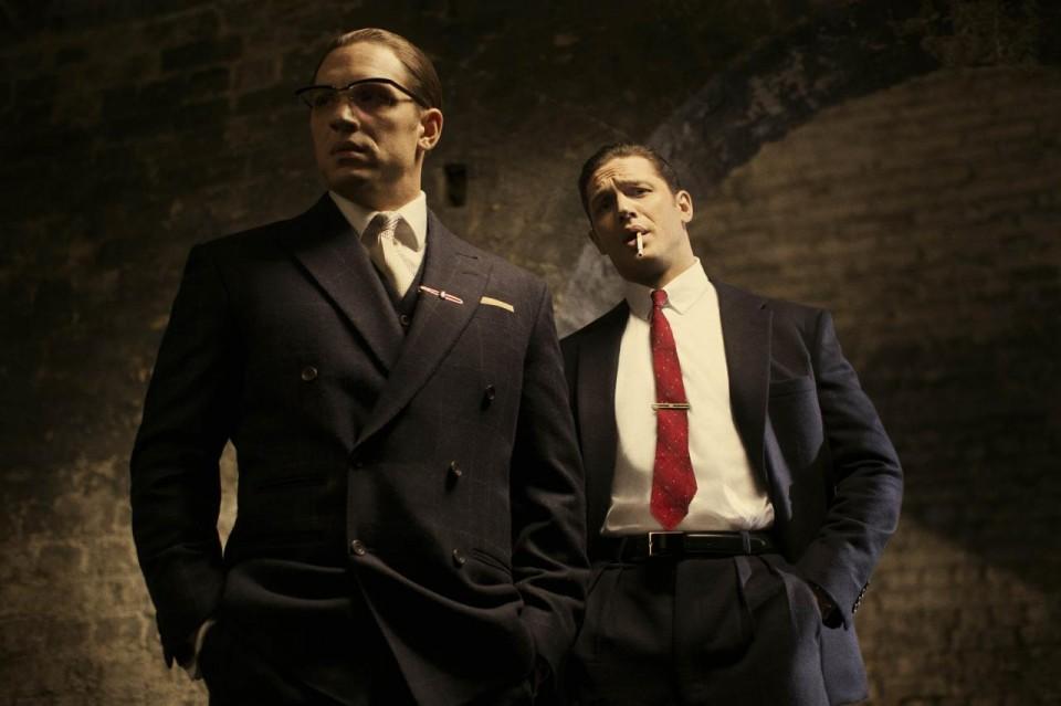Legend : Photo de Tom Hardy en frères Kray
