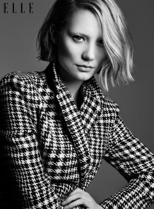 Mia Wasikowska-Elle Canada