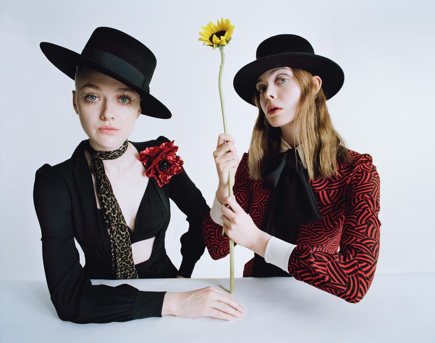 W Magazine - Dakota Fanning-Elle Fanning