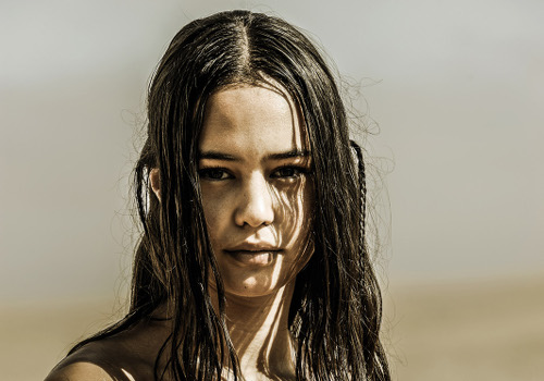 Courtney Eaton1